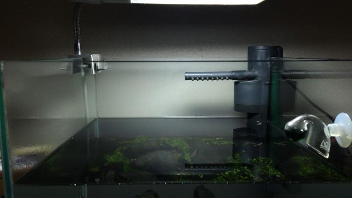 水槽ガラス面の白い汚れを取る